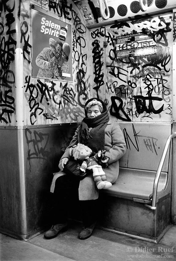 002-USA-New-York-Subway-Graffiti-Woman-Sleep-Doll-1986.jpg