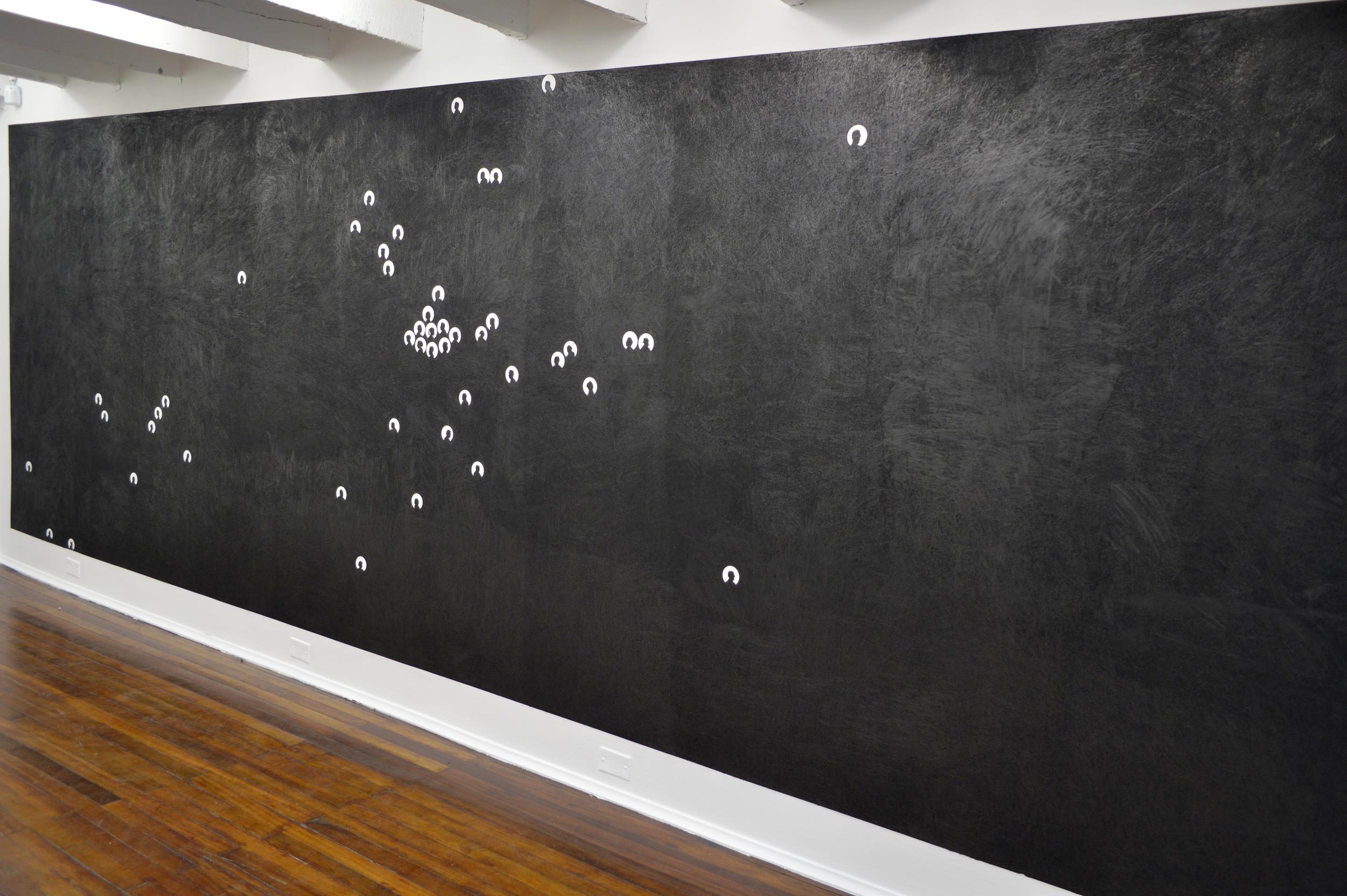 "A CONTRALUZ, 2014  Exhibición individual, vista de sala segundo piso.  ""Humo""   Grafito sobre pared   Dimensiones Variables  2014"