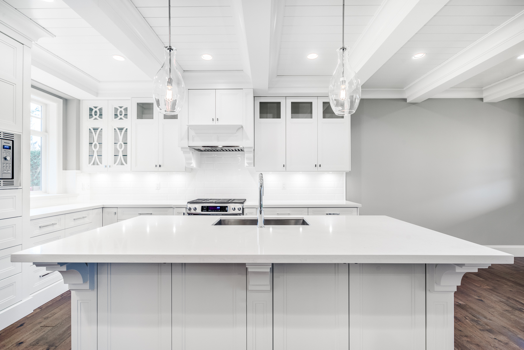 15592-Madrona-Dr-Sry-360hometours-04s.jpg