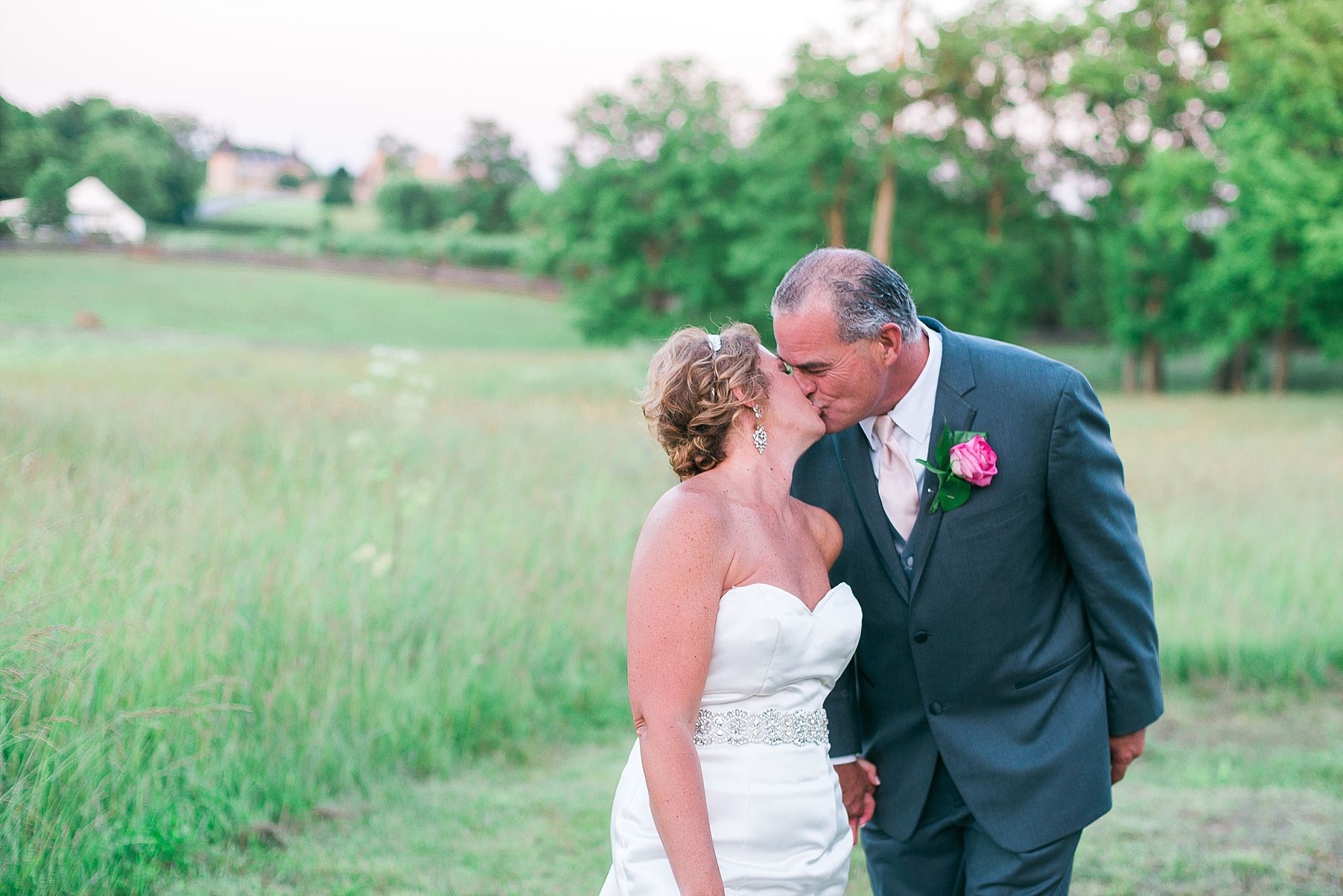 romantic-wedding-photography-in-ky