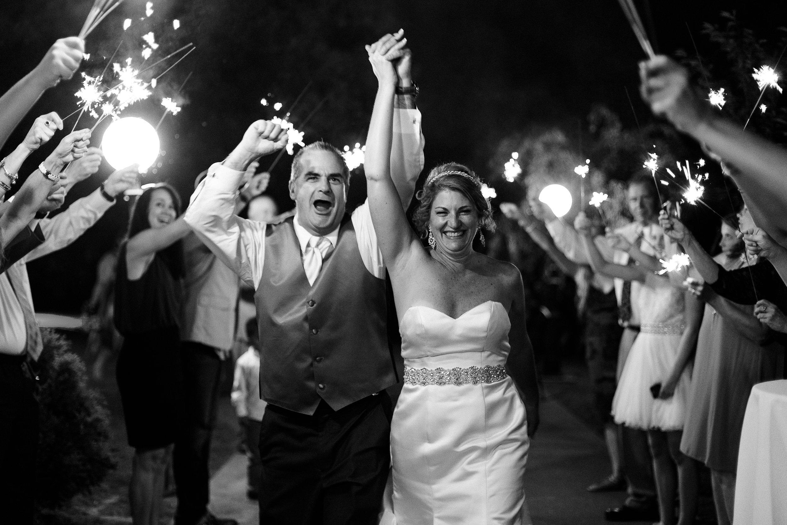 joyful-happy-wedding-photos