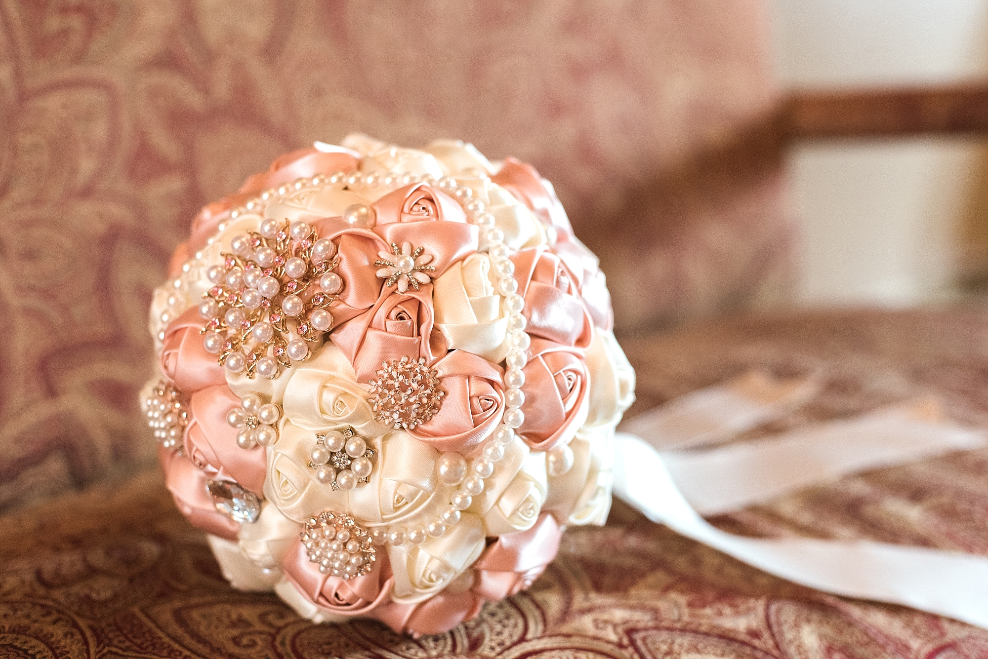 sparkly-brooch-bouquet