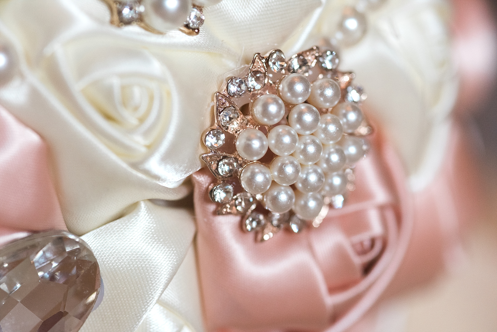pink-brooch-silk-bouquet