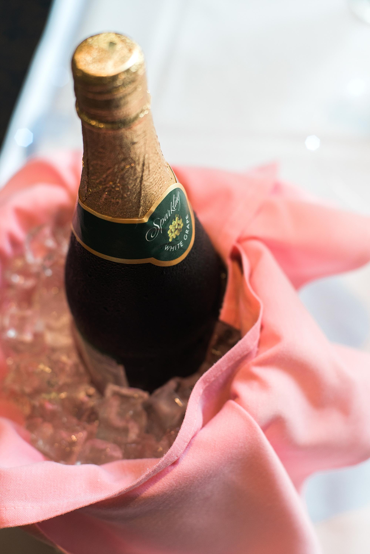 sparkling-wine-wedding