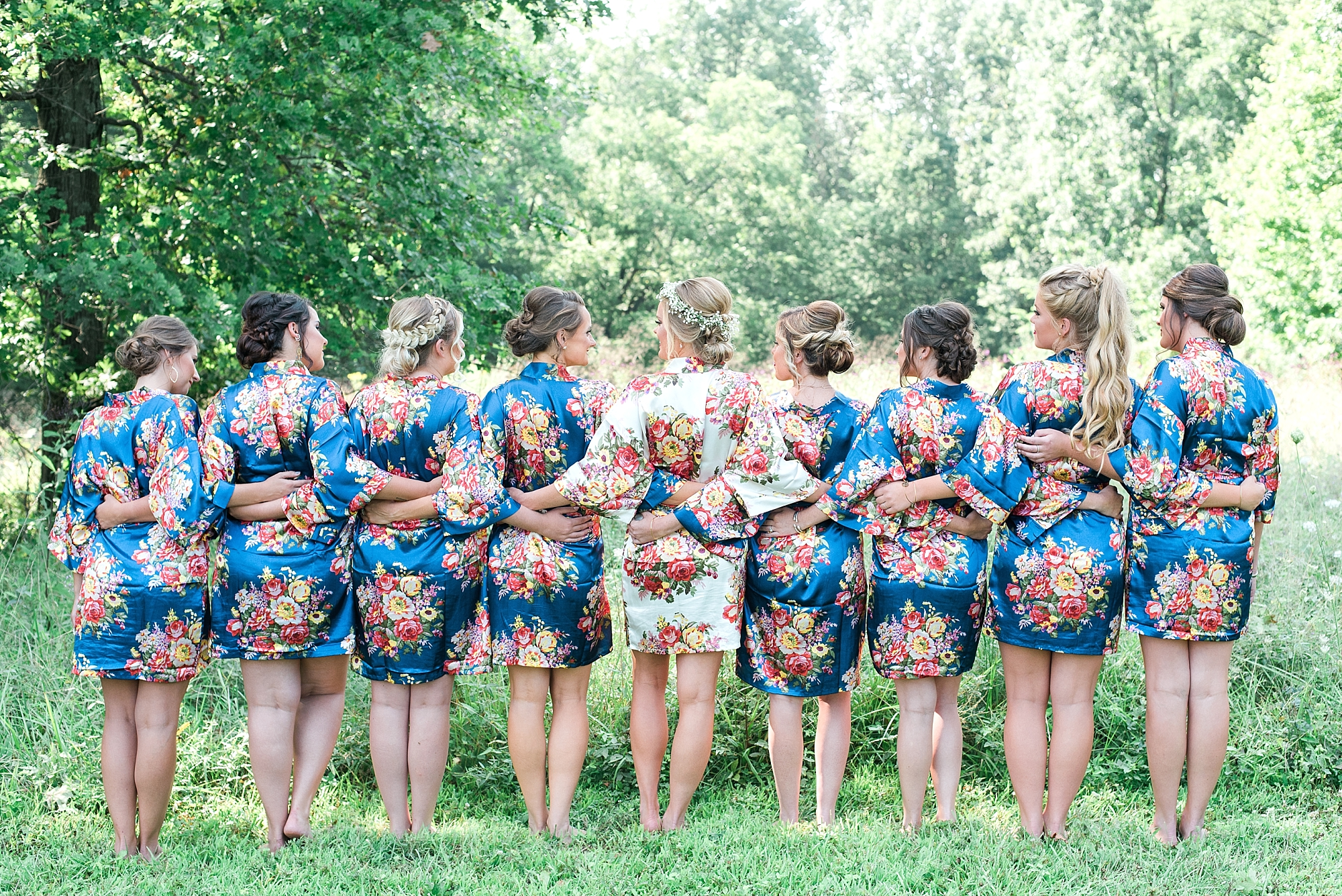 blue-floral-bridesmaids-robes