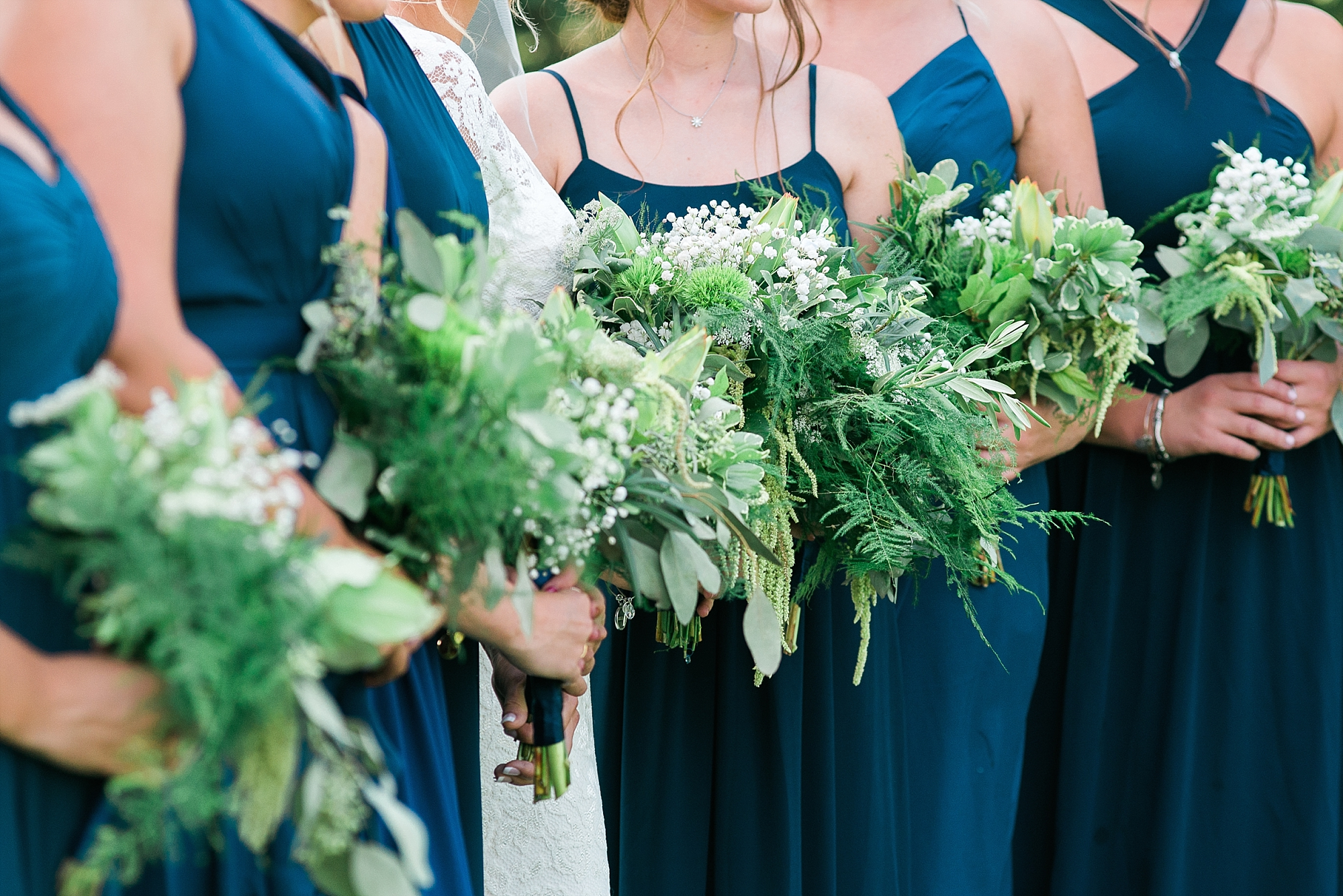 natural-greenery-bouquets