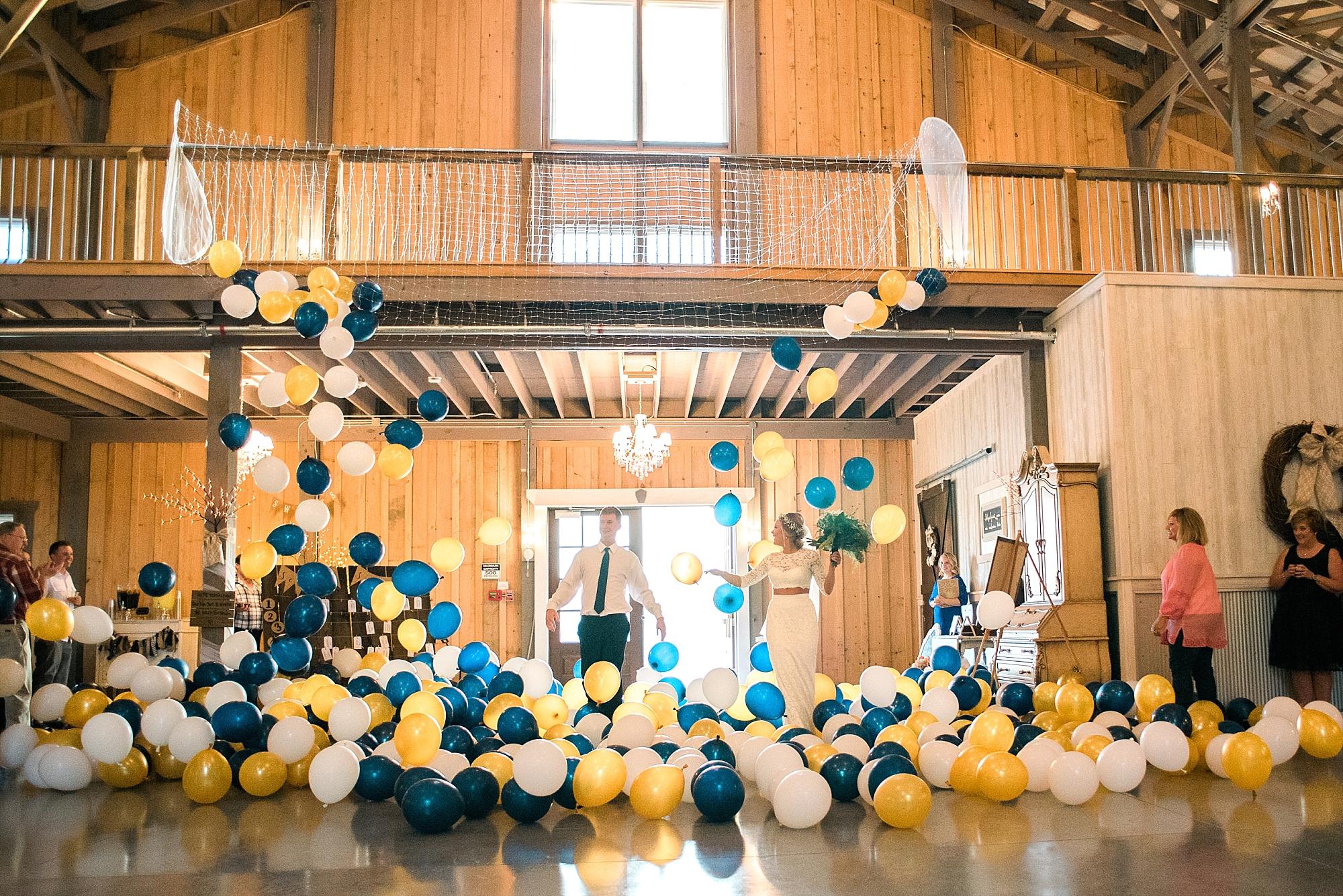 A balloon drop! How fun!