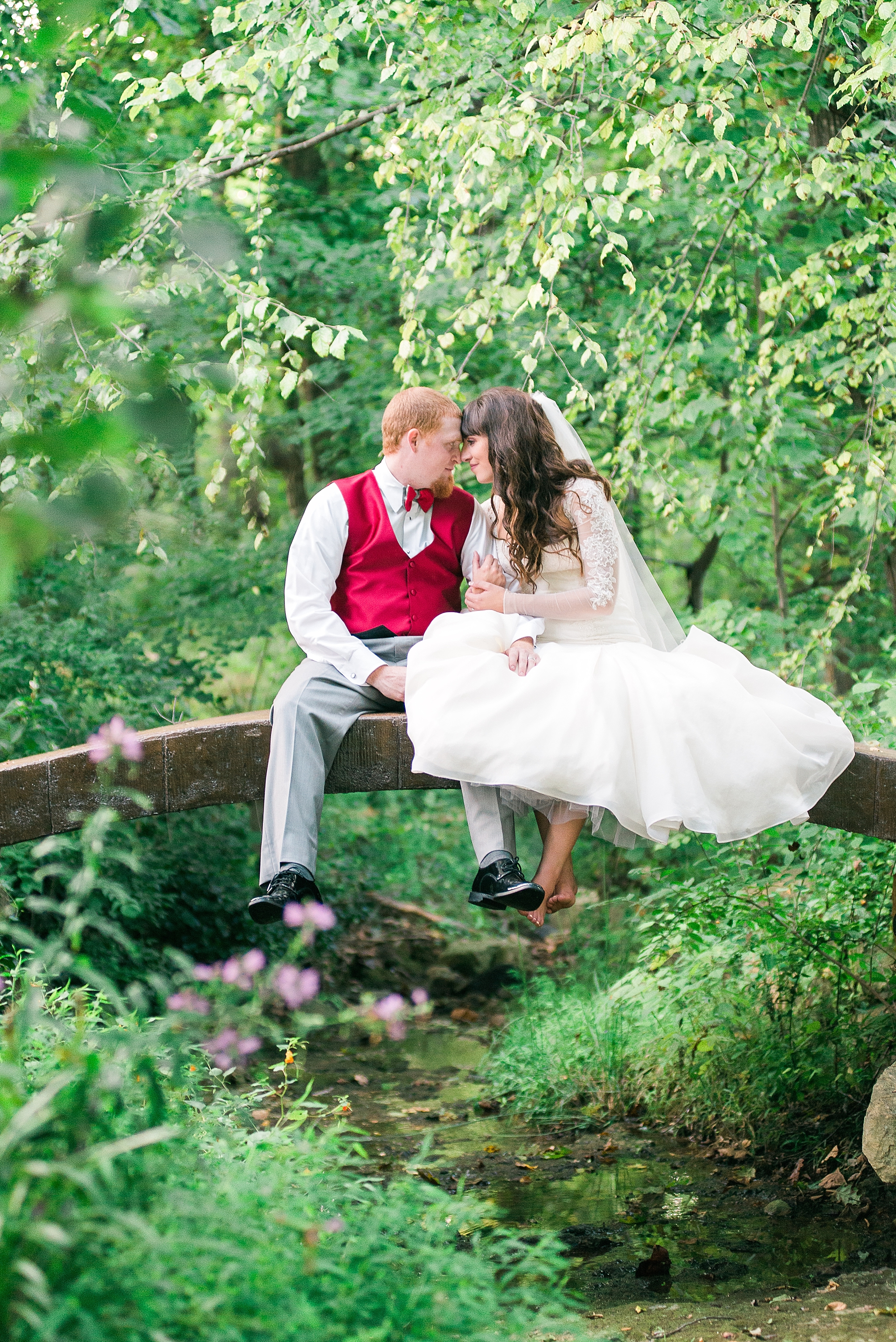 This bridge over the little creek was so magical! It couldn't have been a more perfect spot!