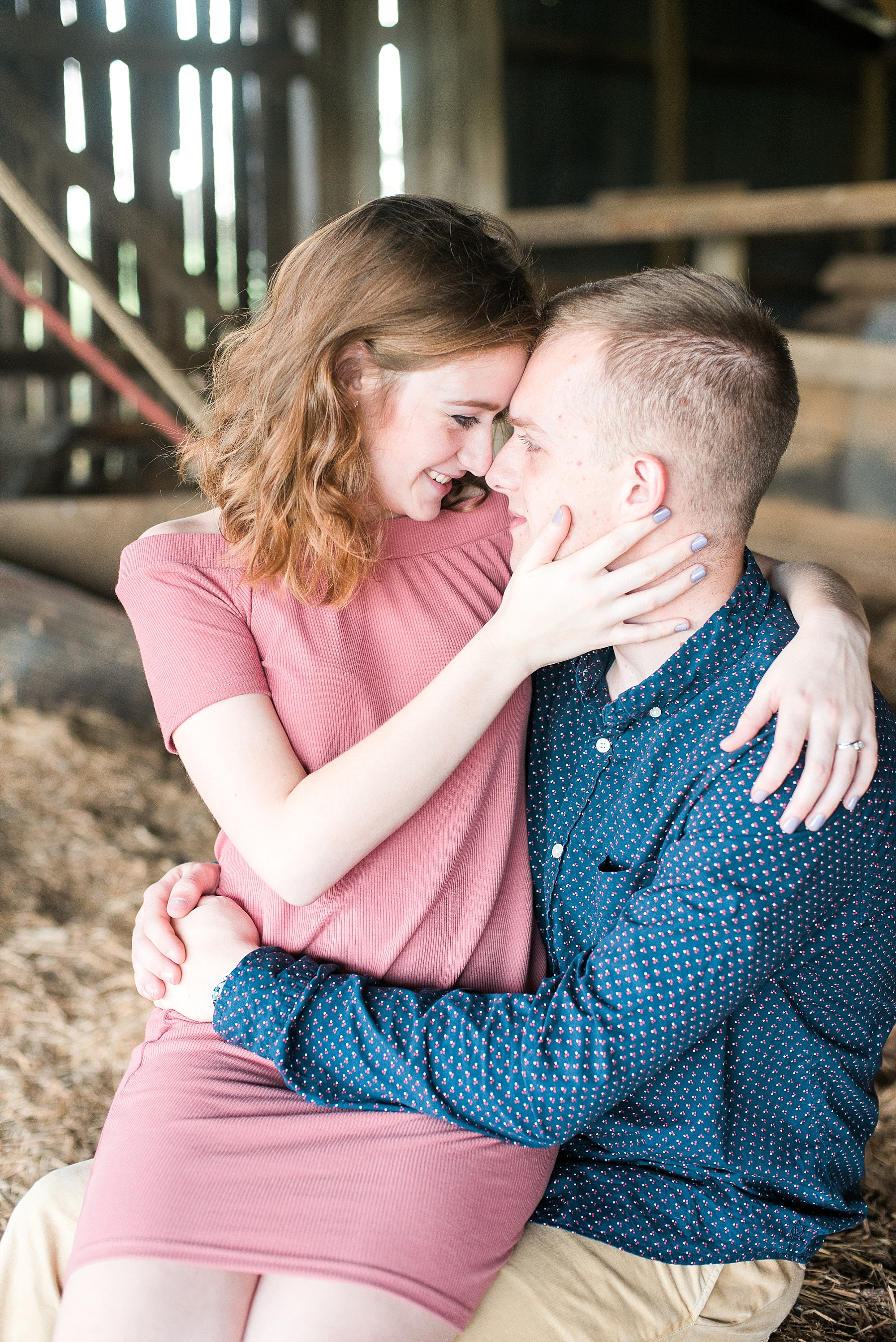 barn-engagement-pics
