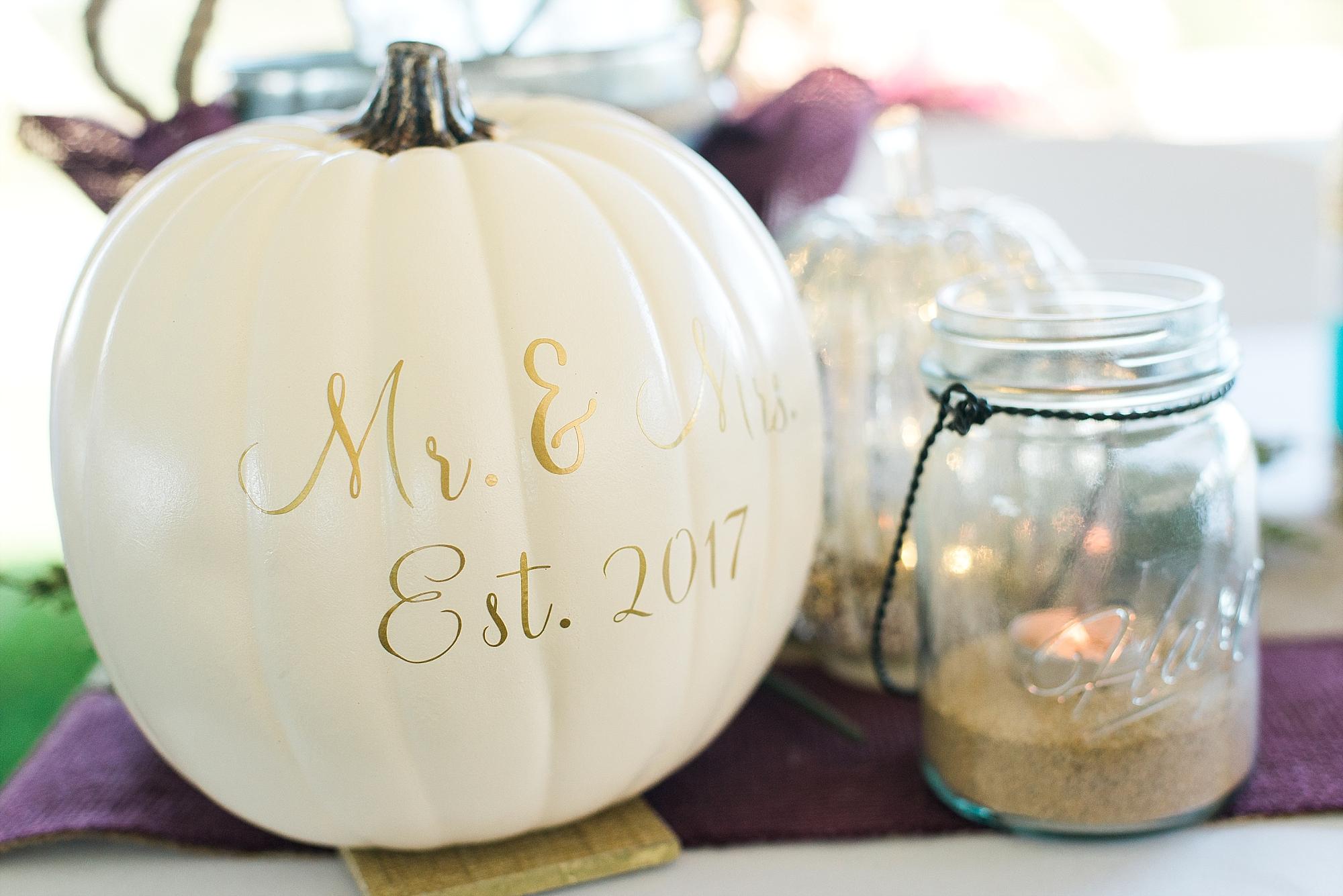 white-pumpkin-wedding-decor