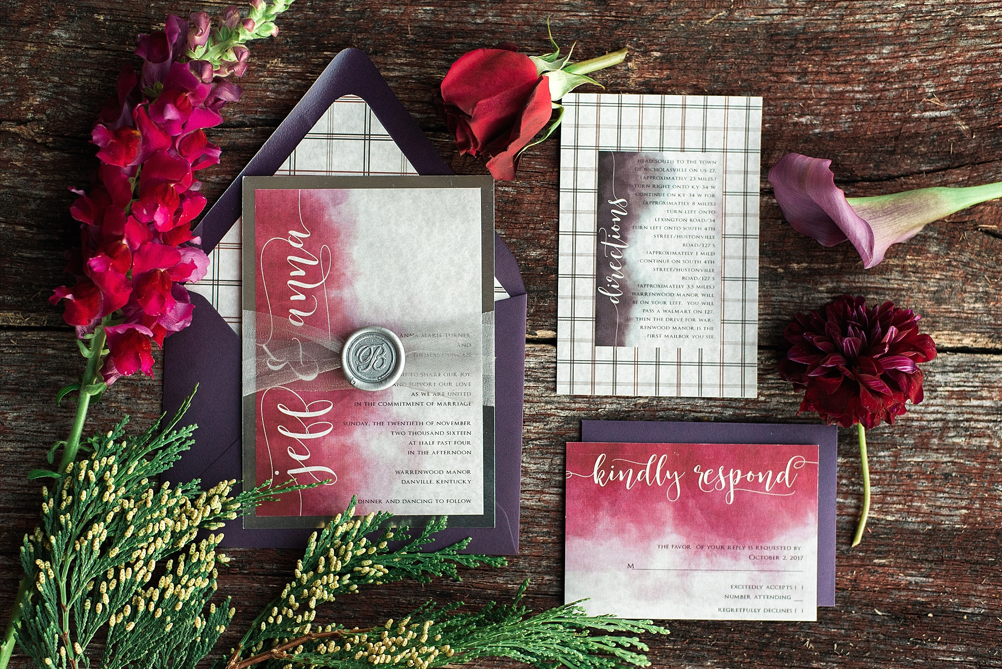 Becca at Simply Done Invites did a wonderful job putting the invitation suite together!
