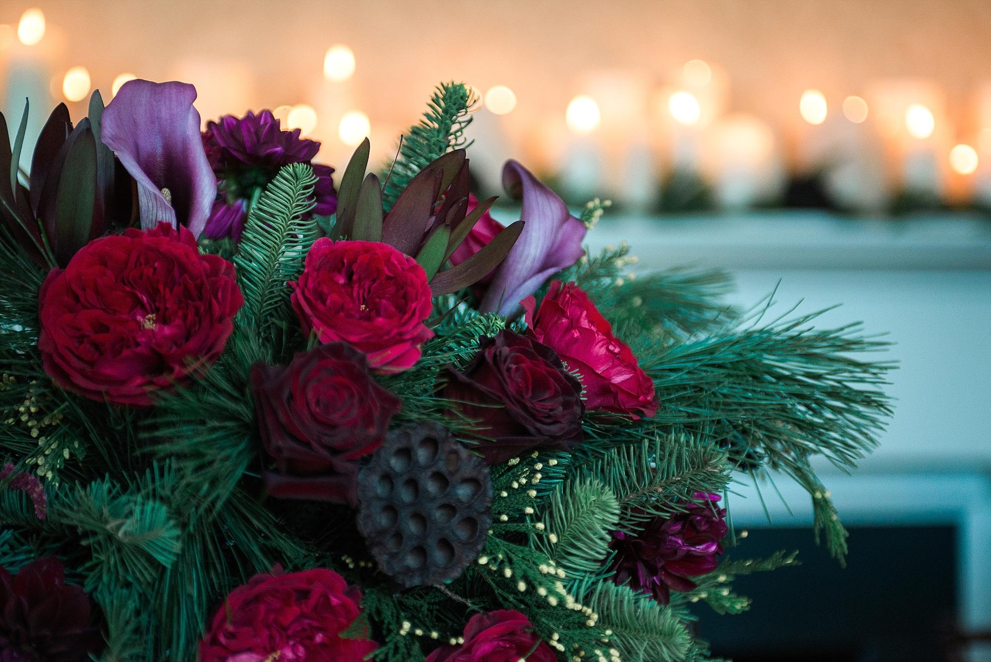 plum-marsala-wedding-florals