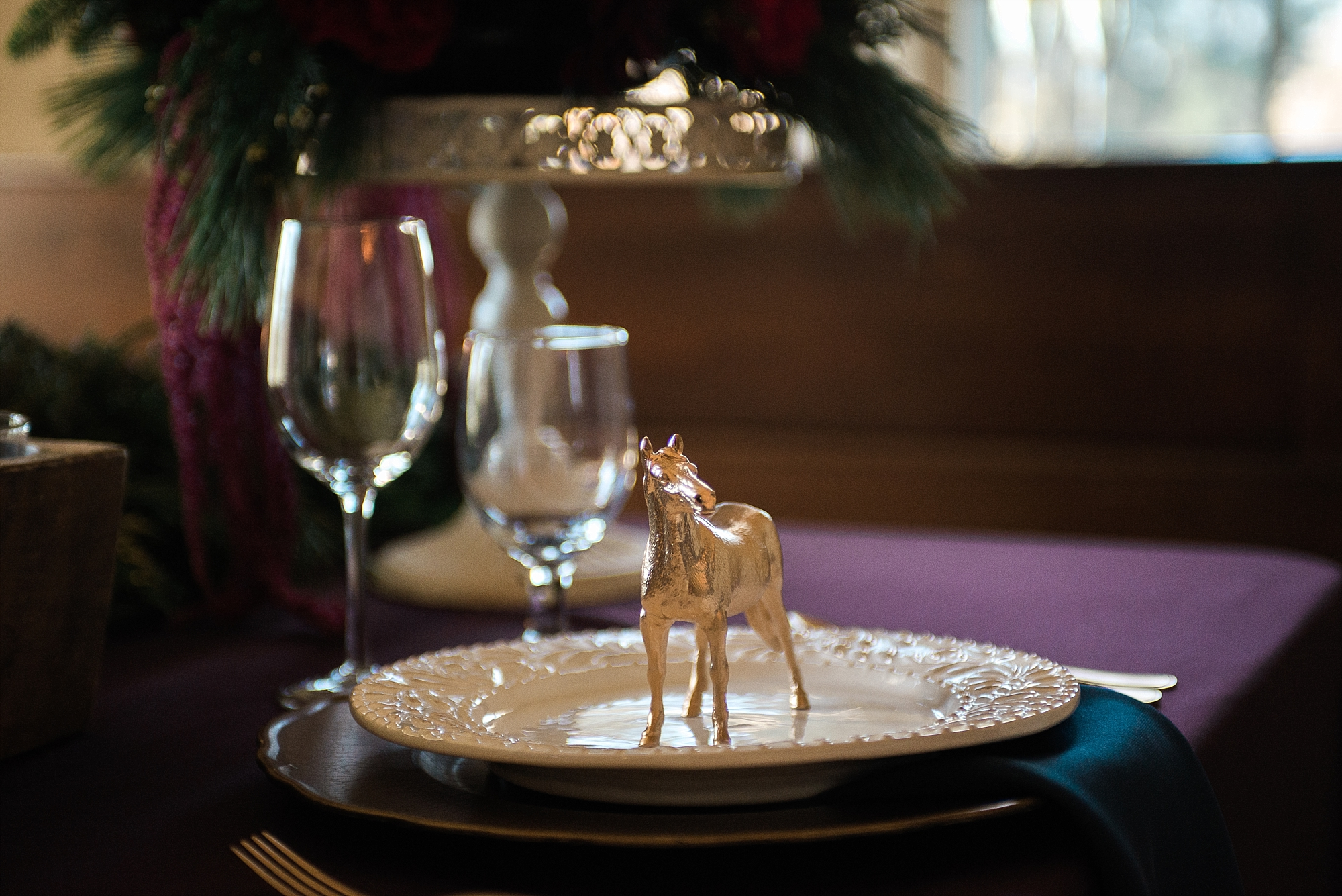 Loved Brittany's idea to include the horses on the sweetheart table!