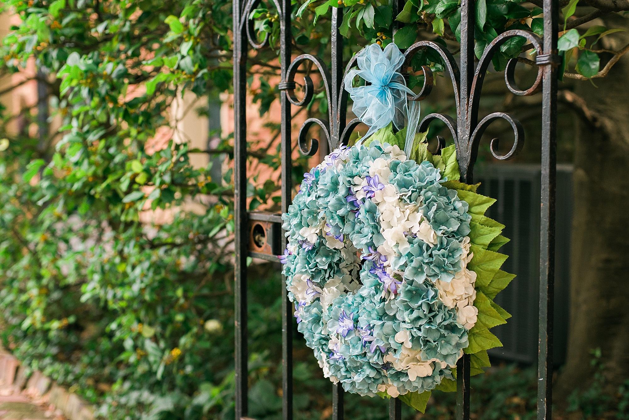hydrangea-wreath-wedding