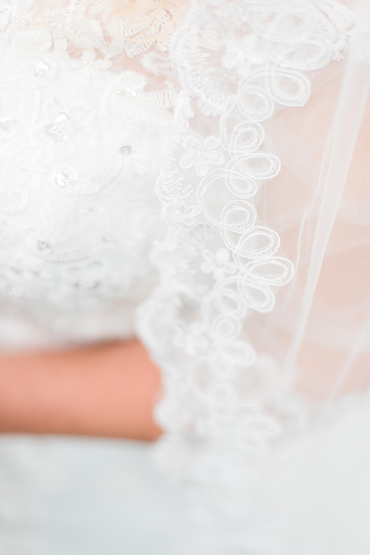 lacey-bridal-veil