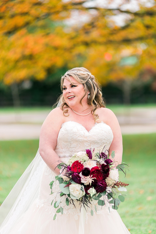 bridal-photos-in-fall