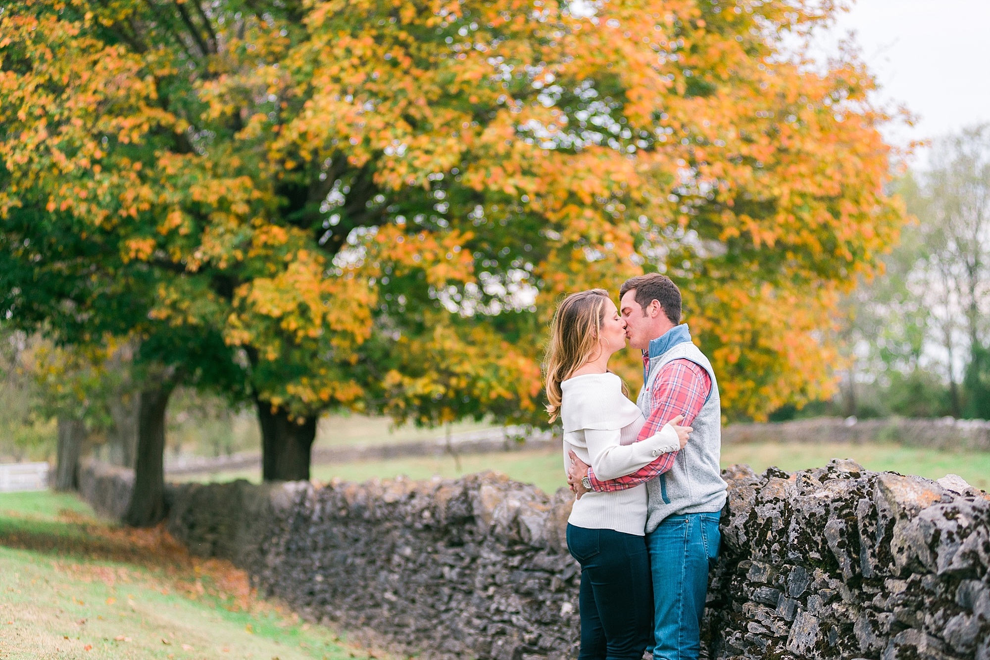fall-engagement-photos