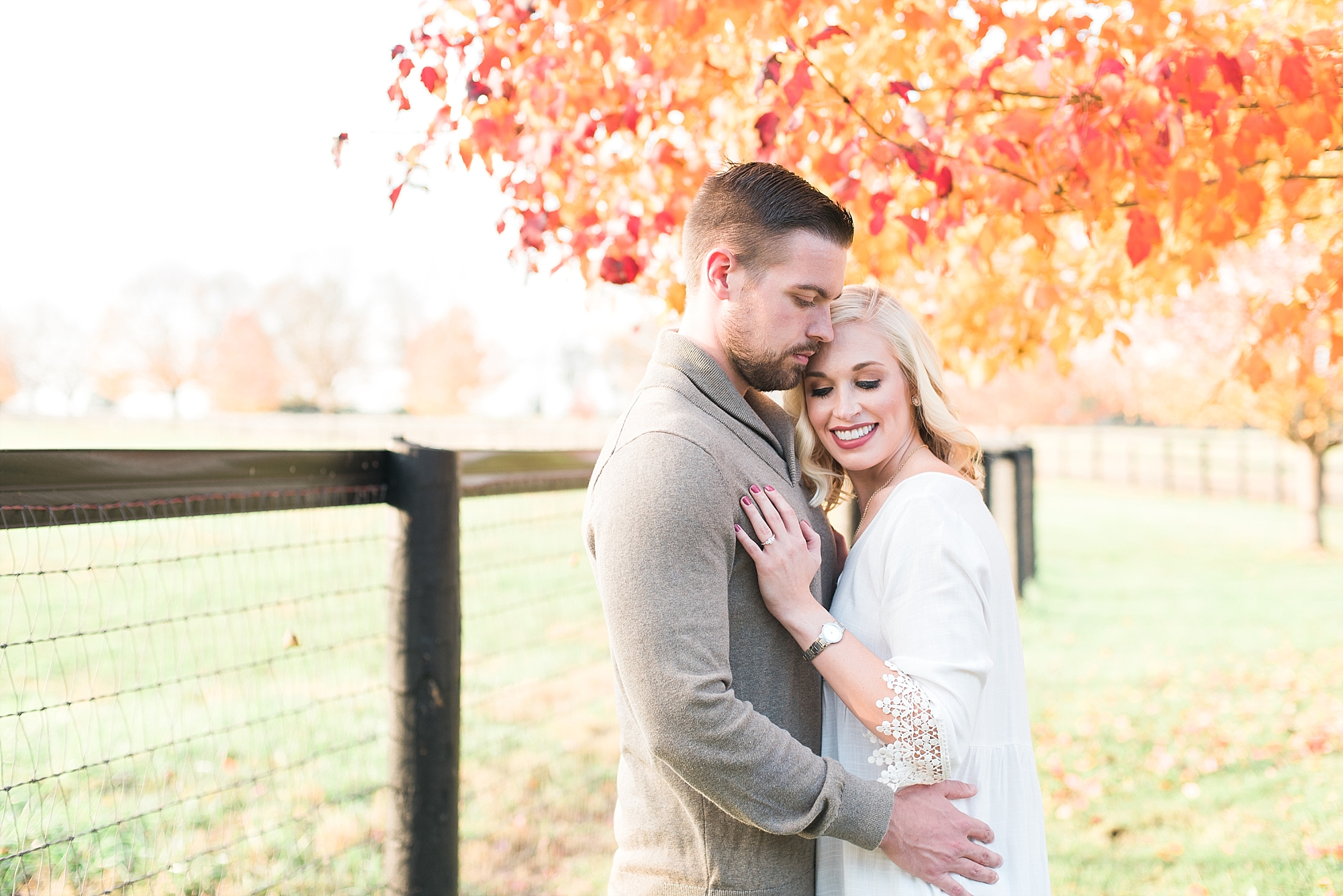romantic-fall-engagement-photos