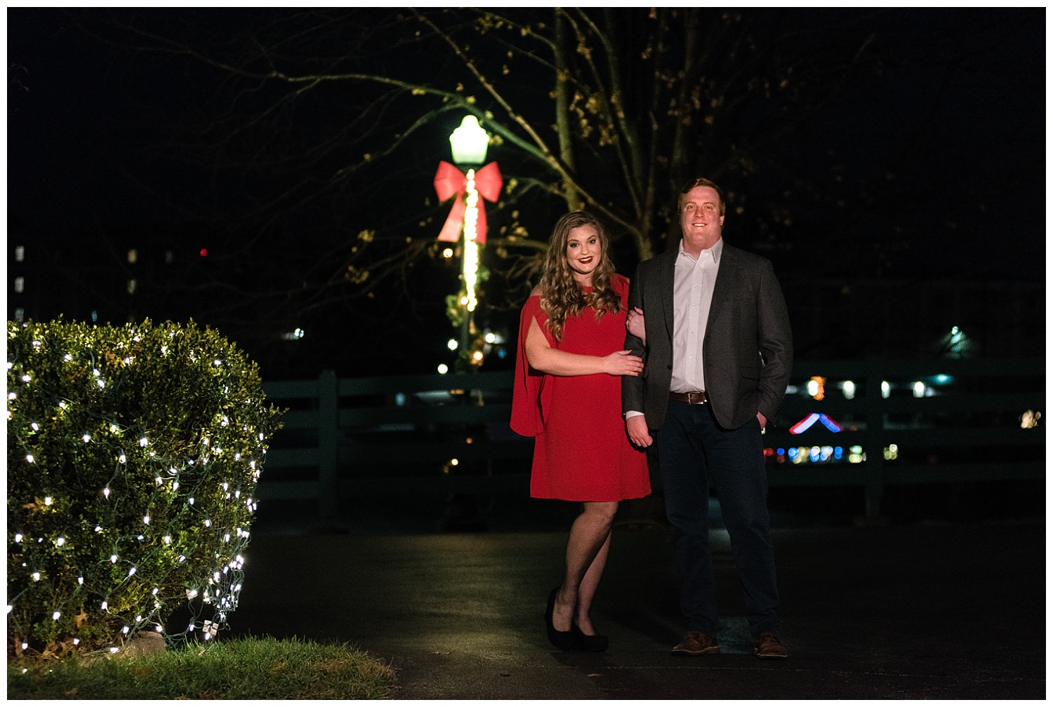 christmas-lights-engagement-photos