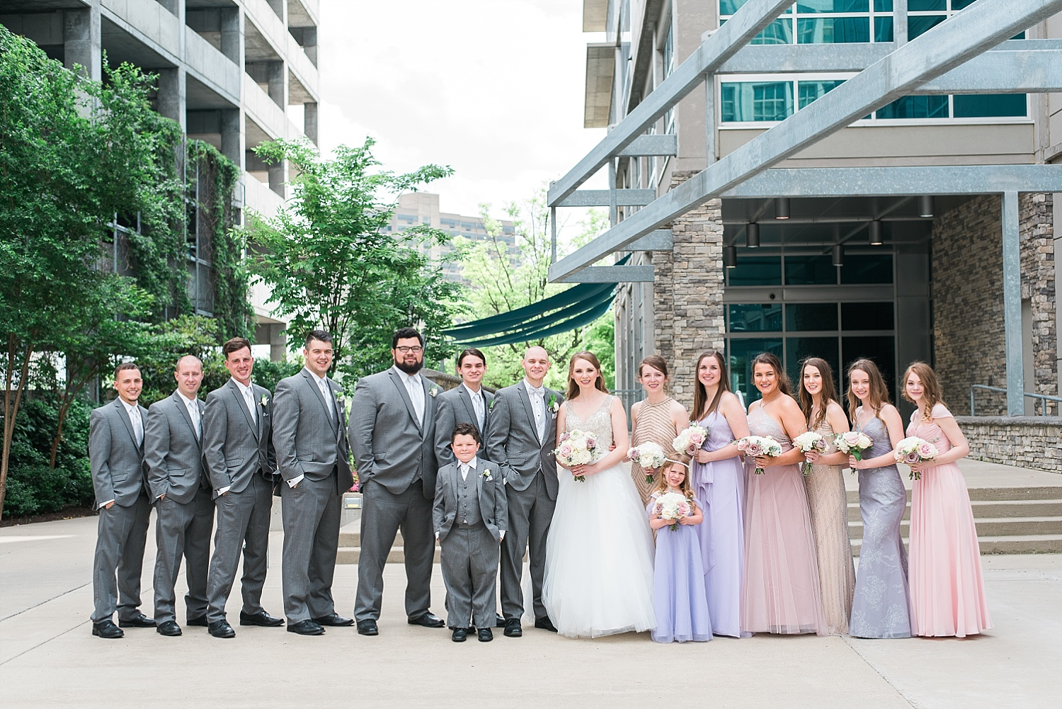 wedding-party-downtown-louisville