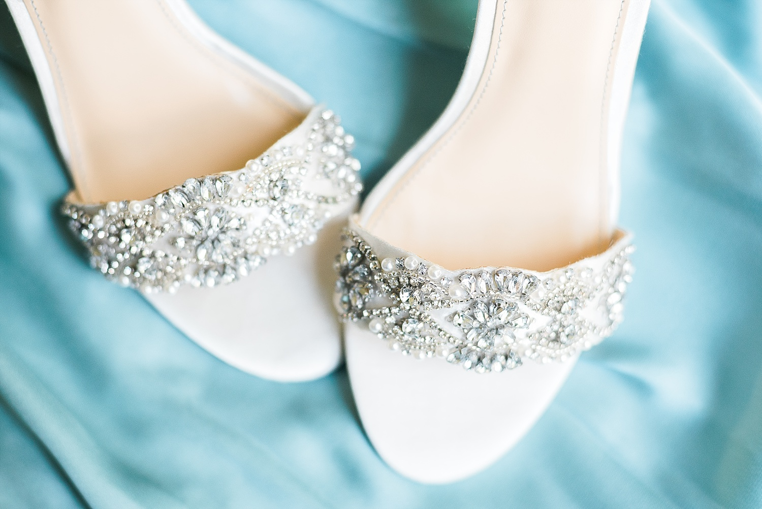 sparkly-bridal-shoes