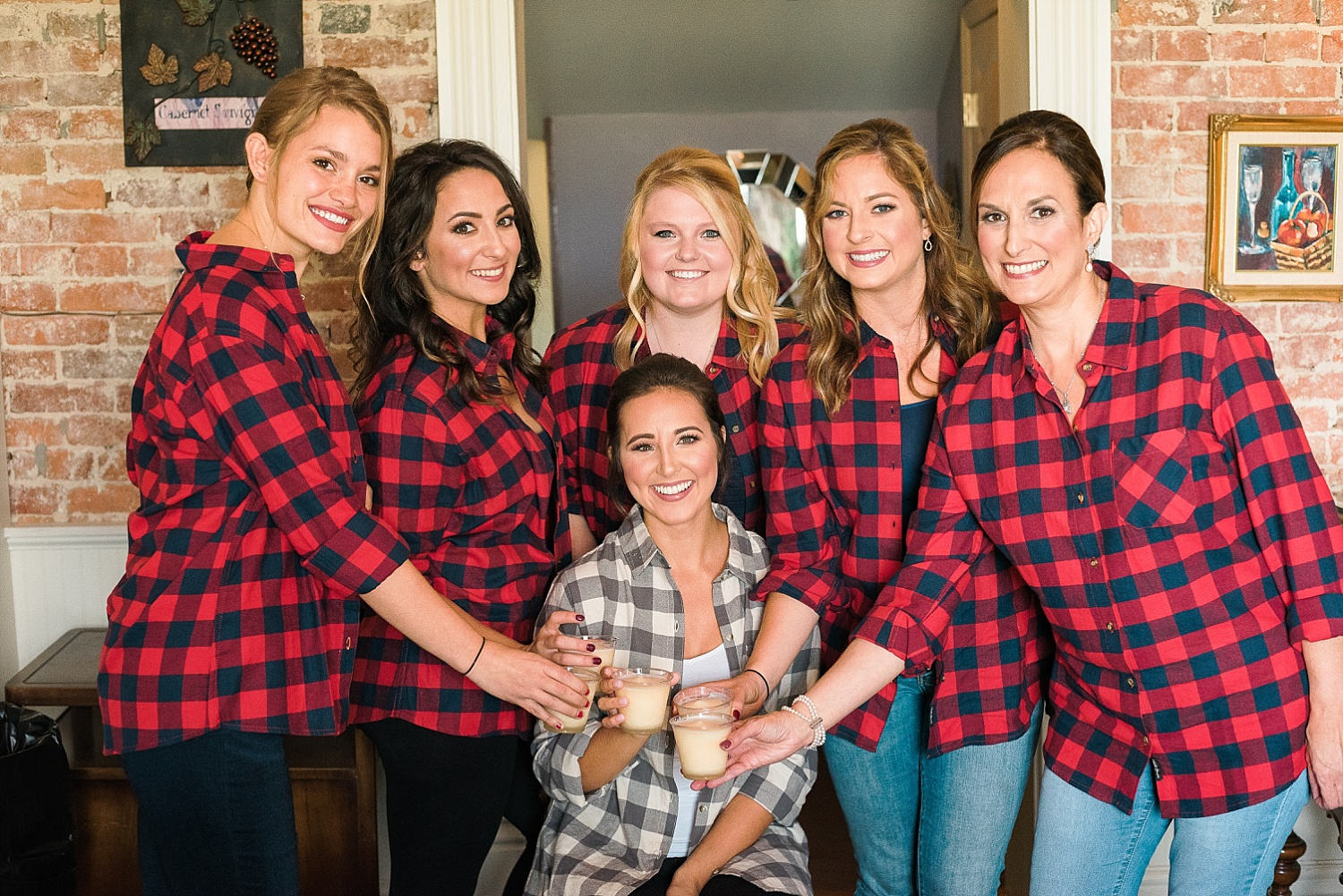 bridesmaids-flannel-shirts