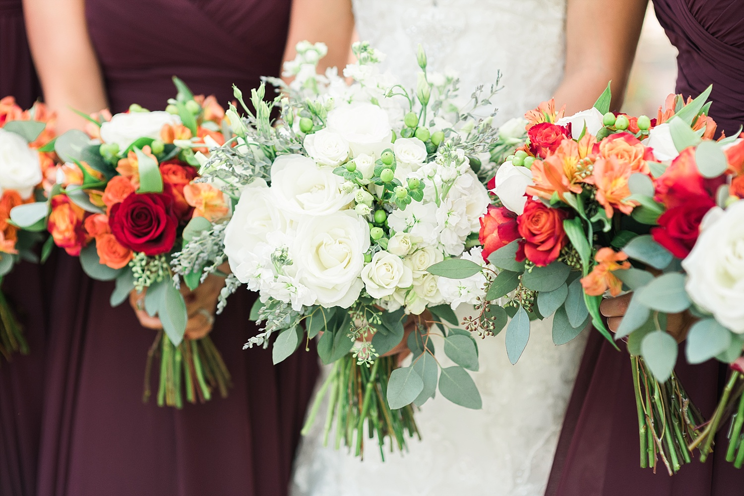 fall-bridesmaids-bouquets