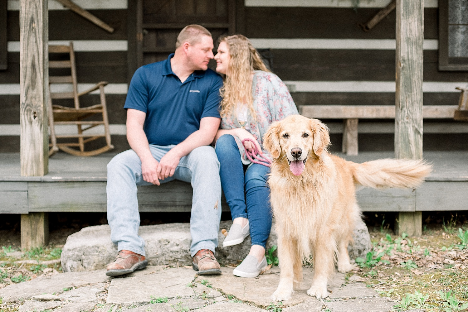log-cabin-engagement-pics