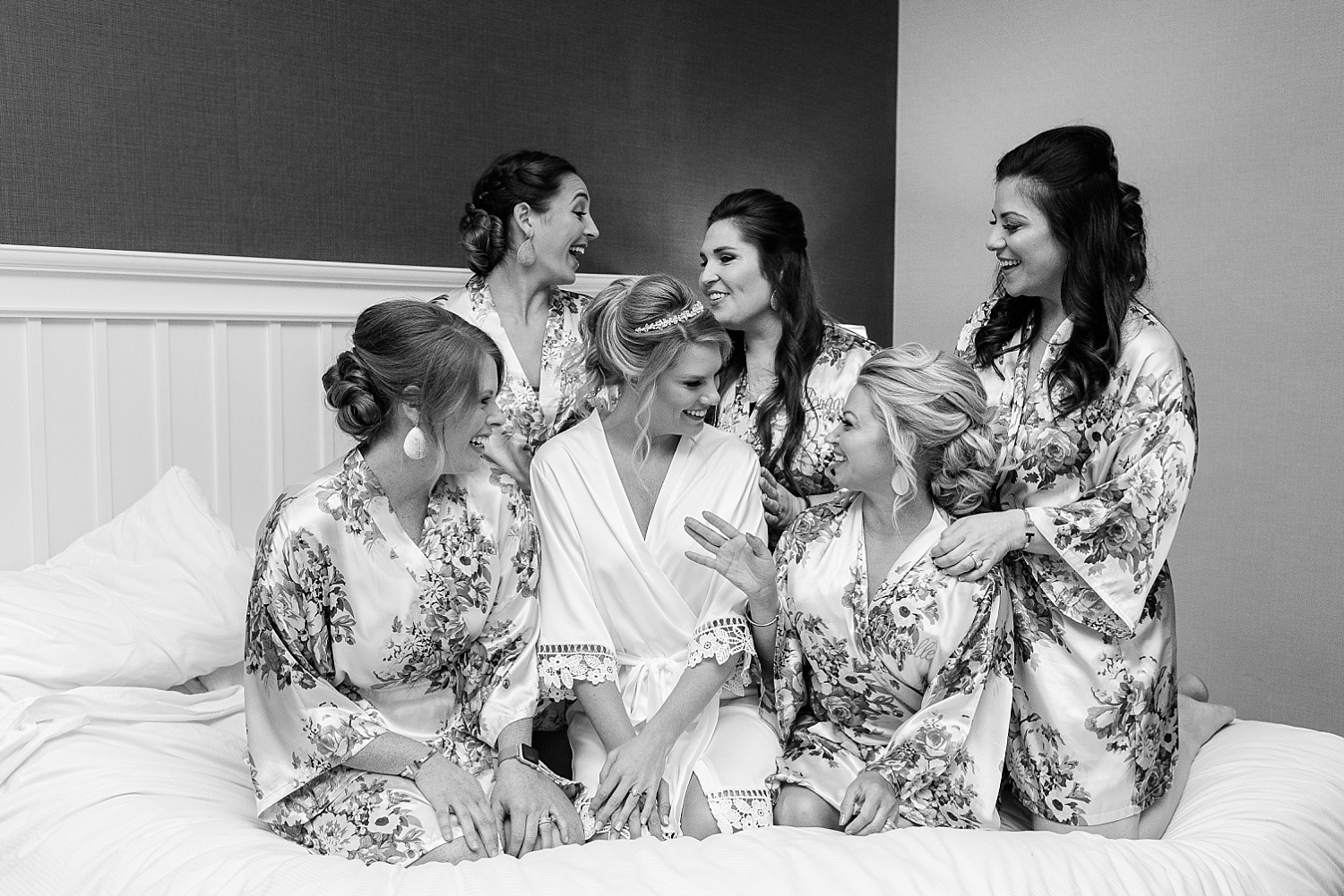 bridesmaids-in-robes