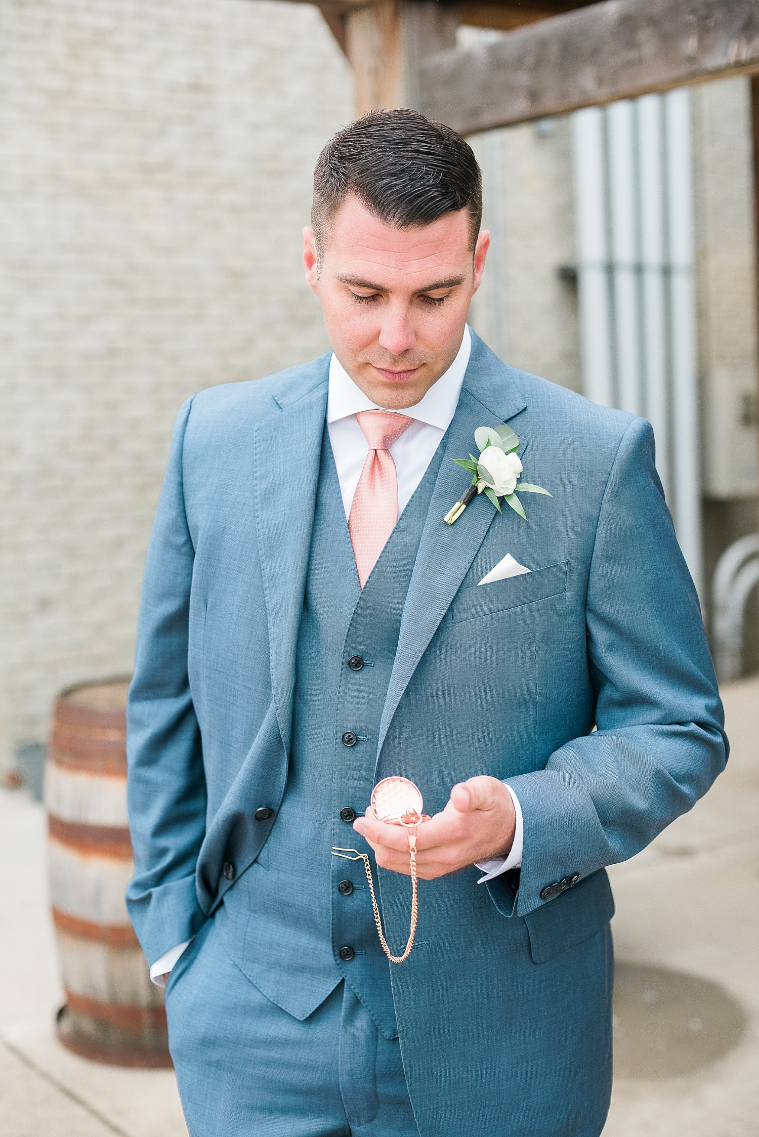 groom-pocket-watch