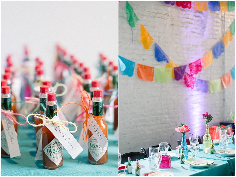 hot-sauce-wedding-favors