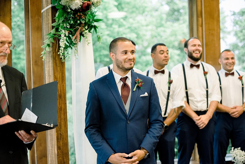 wedding-indoors-lodge