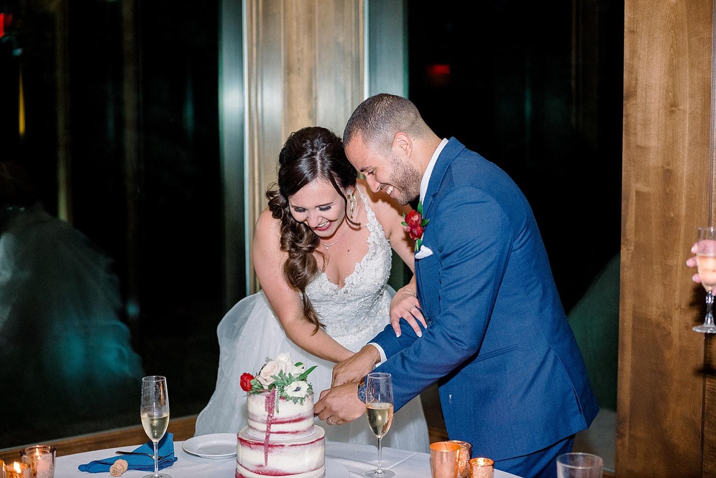 reception-cake-plehns-bakery