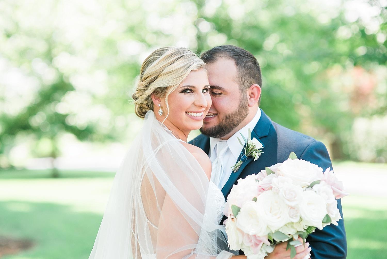 romantic-wedding-poses