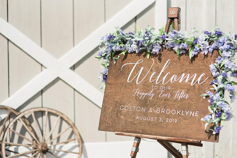welcome-sign-wedding