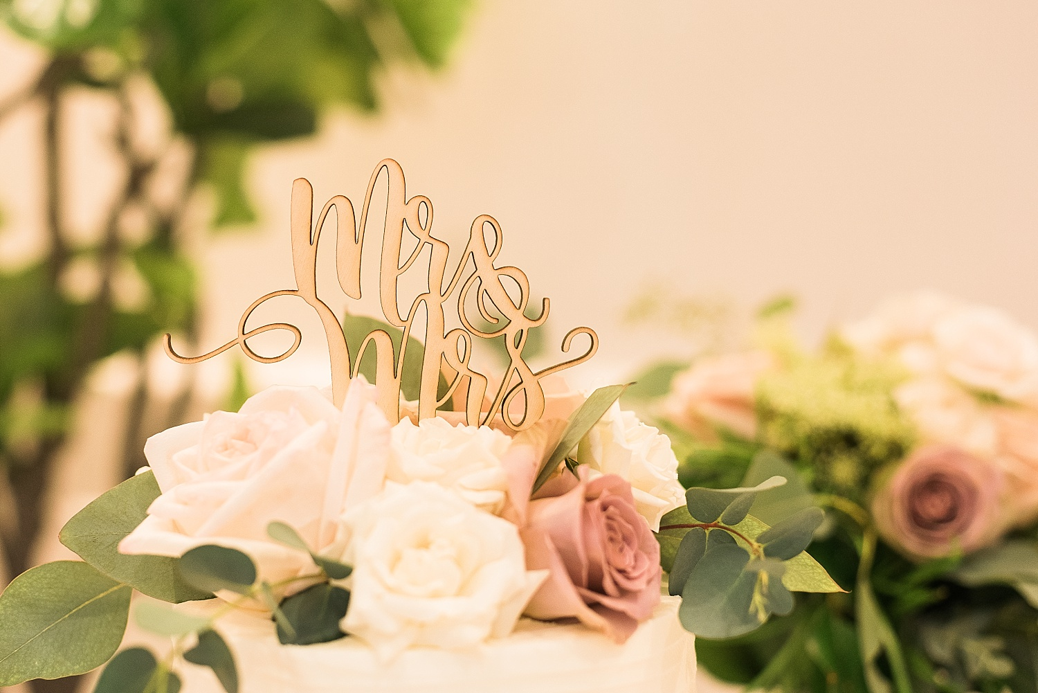 mr-mrs-cake-topper
