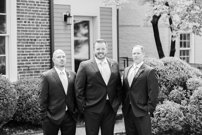 groomsmen-portraits