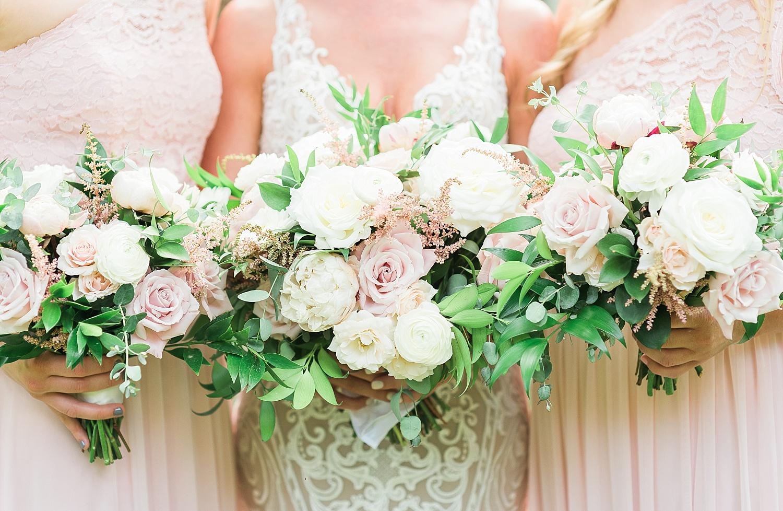 bouquets-by-fields-in-bloom