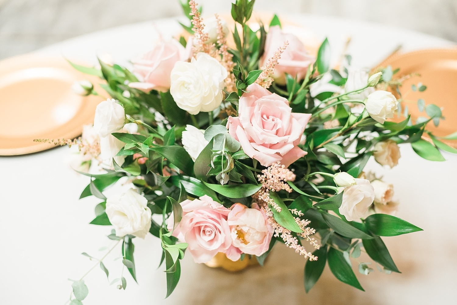 centerpieces-by-fields-in-bloom