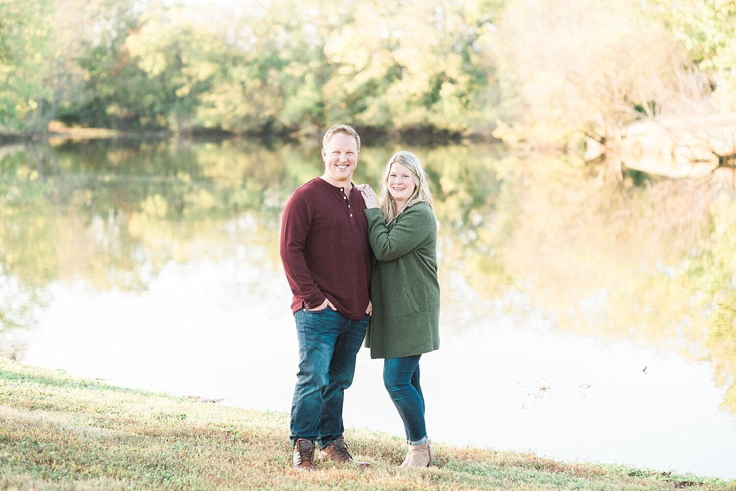 engagement-session-at-pond