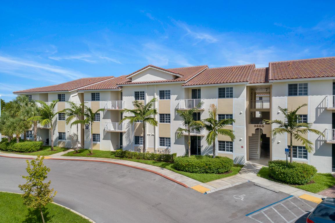 Davie Triangle Apartments