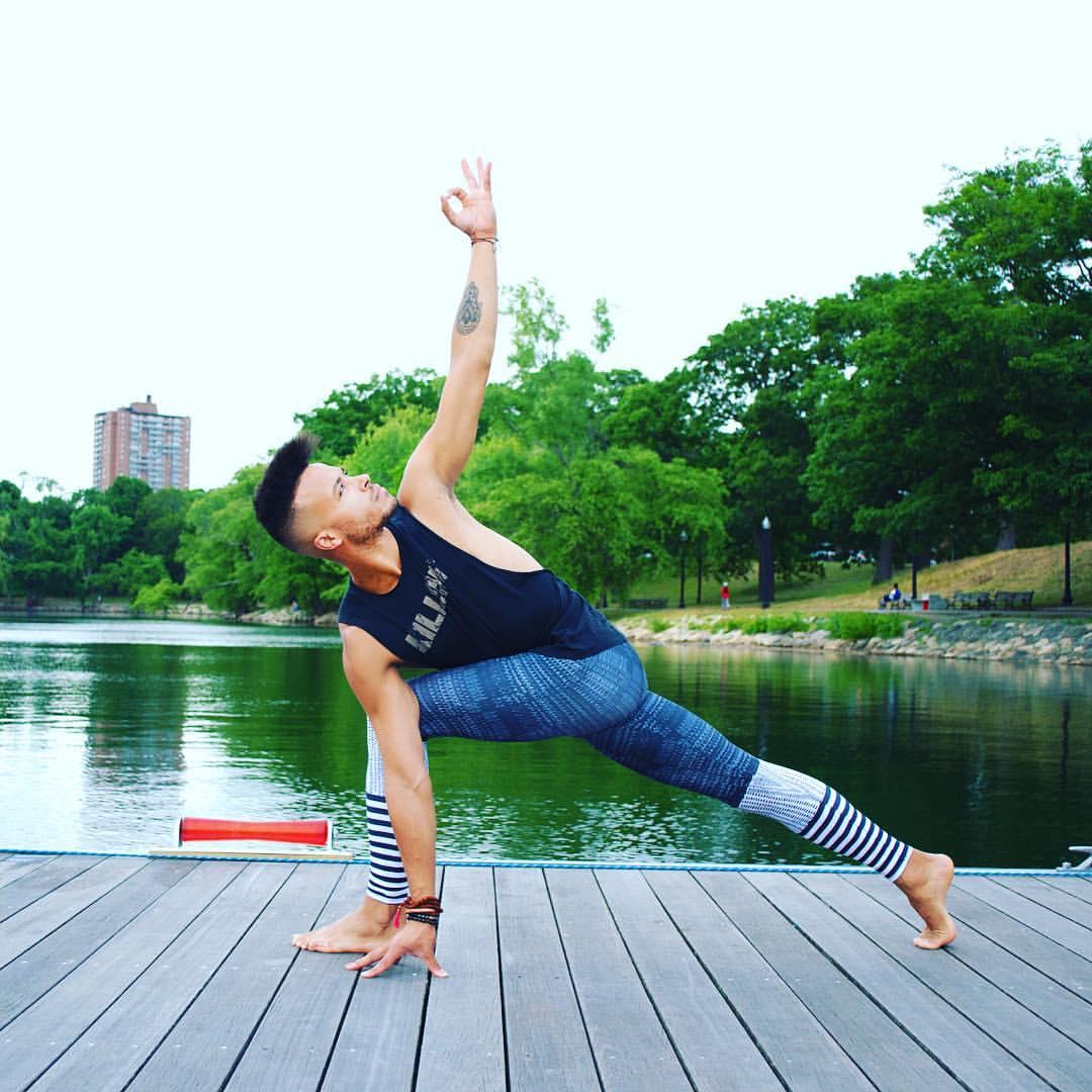 johnathon-holmes-boston-yoga