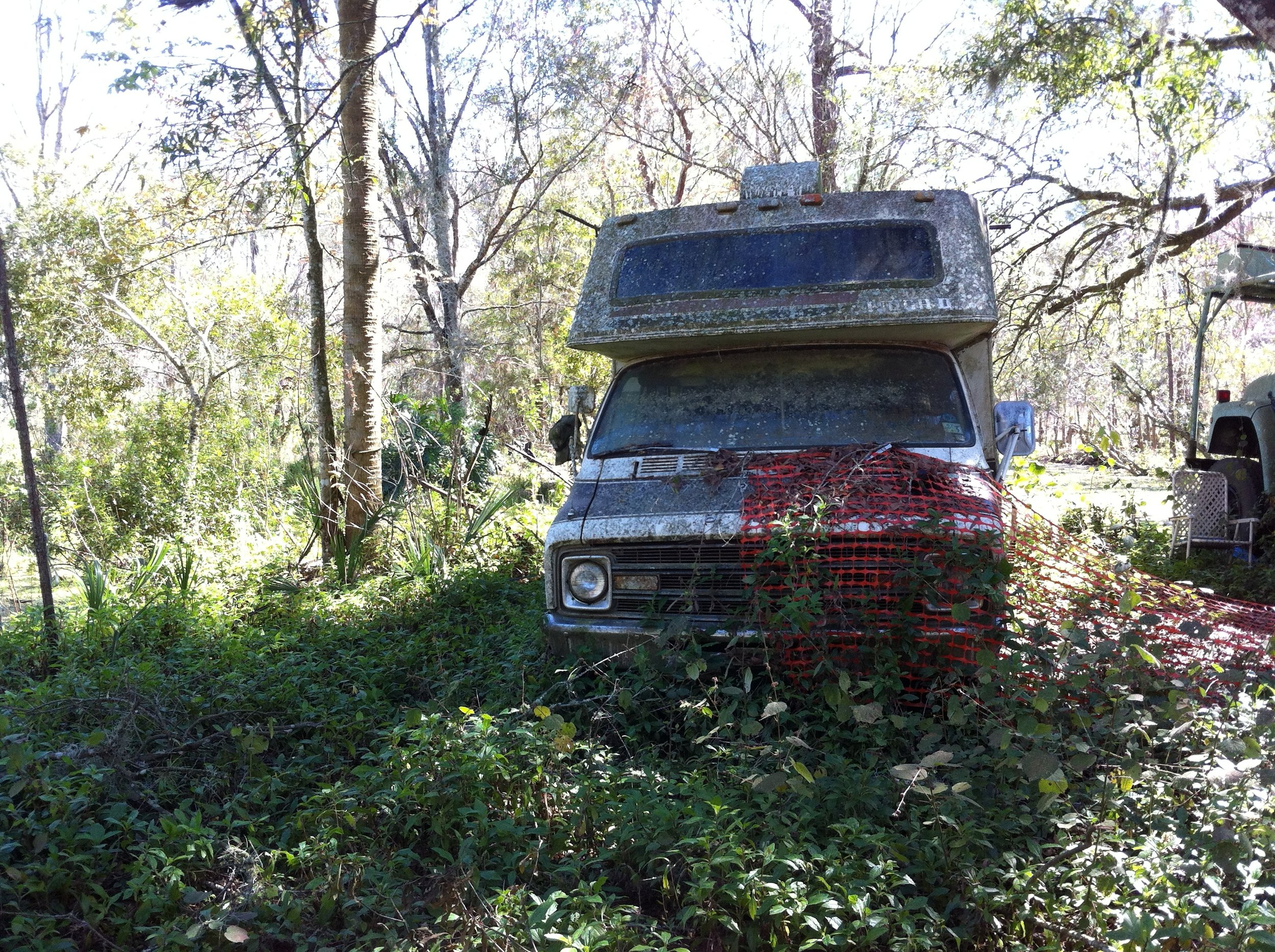 abandoned trailer.JPG
