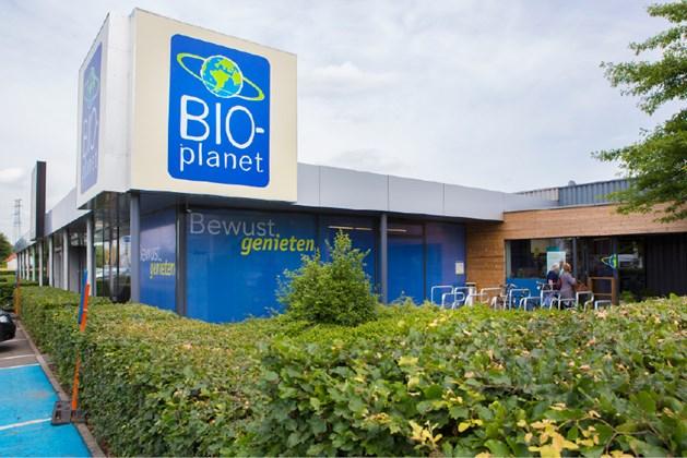 Hasselt ligt in de bovenste schuif bij de Colruyt Group, die al een vergunning op zak heeft voor de bouw van een Bio-Planet, een supermarkt met zo'n 7.000 biologische en ecologische producten. Deze producten kunnen ook online besteld worden, maar een winkel was er nog niet in onze provincie.  'Er is een heel grote vraag naar een Bio-Planet in Limburg', zegt directeur expansie Filip Van Landeghem. 'Onze eerste vestiging in Limburg komt in de buurt van Dats 24 op de Genkersteenweg. Het wordt een supermarkt van 650 m² met op de verdieping een Colruyt-academie waar klanten workshops kunnen volgen. Daarnaast zijn we aan deze kant van Hasselt ook op zoek naar een locatie voor een tweede Colruyt-supermarkt.'