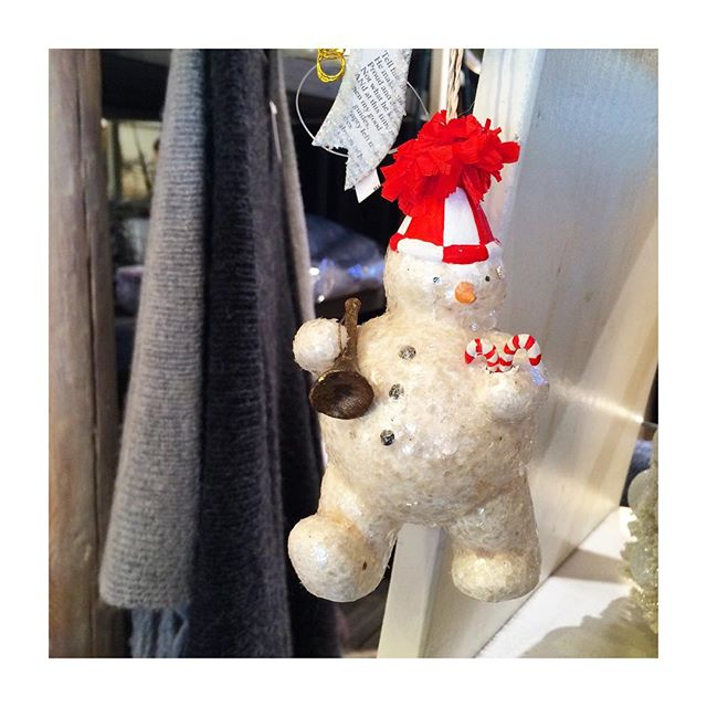 Merry Christmas Eve! We are open until 6 tonight. #ornaments #Christmas #festive #holidays #holidayshopping #holidaylist #gifts #giftstore #studiocity #losangeles #venturablvd