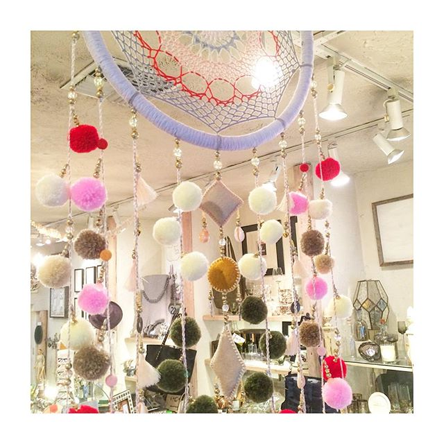 Happy Tuesday 😴 #dreamcatchers #handmade #art #crafts #gifts #giftsforthehome #spring #springtime #giftstore #studiocity #losangeles #venturablvd