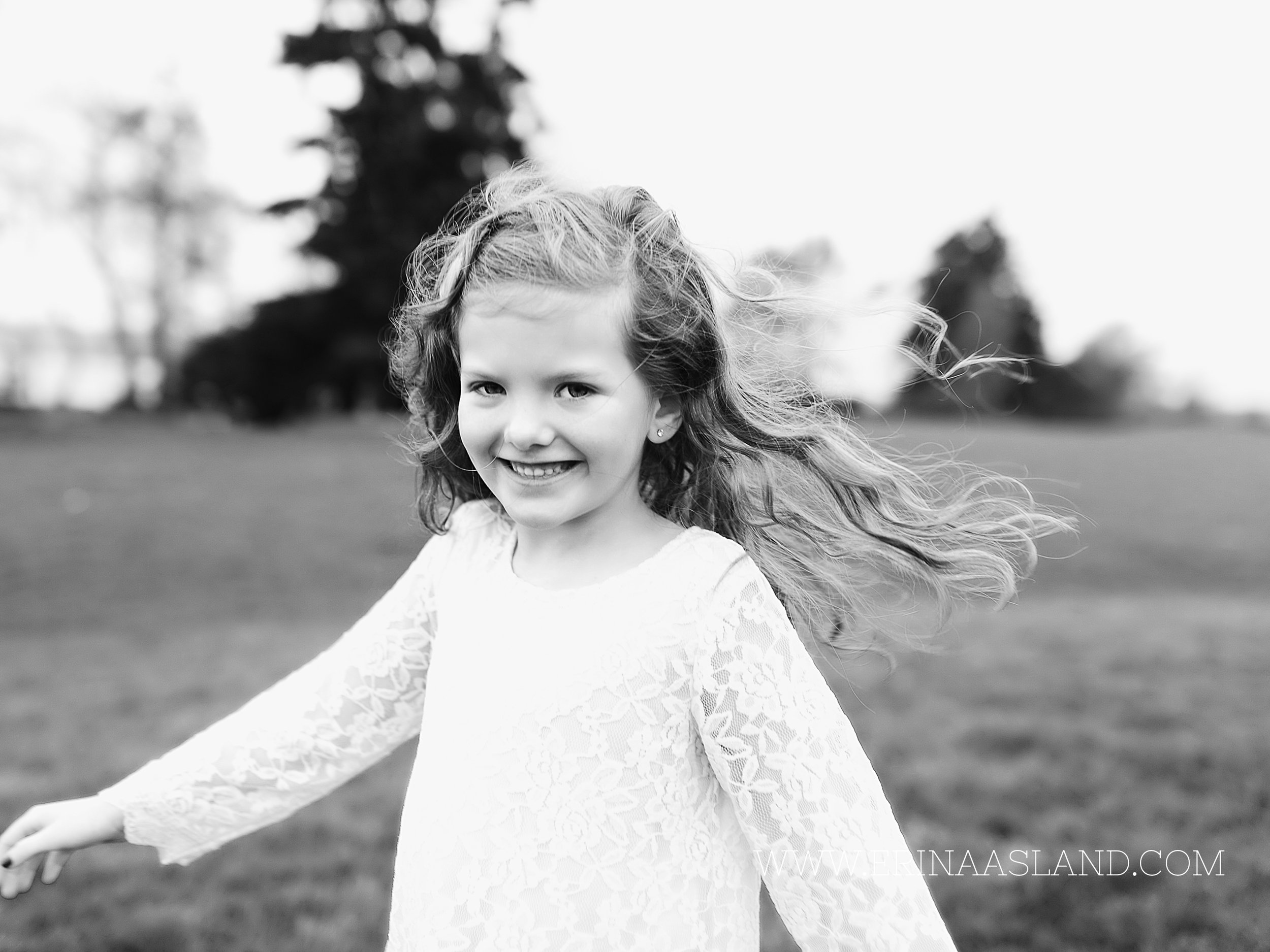 Erin Aasland Snoqualmie Childrens Photographer Big Smile Windy Twirl
