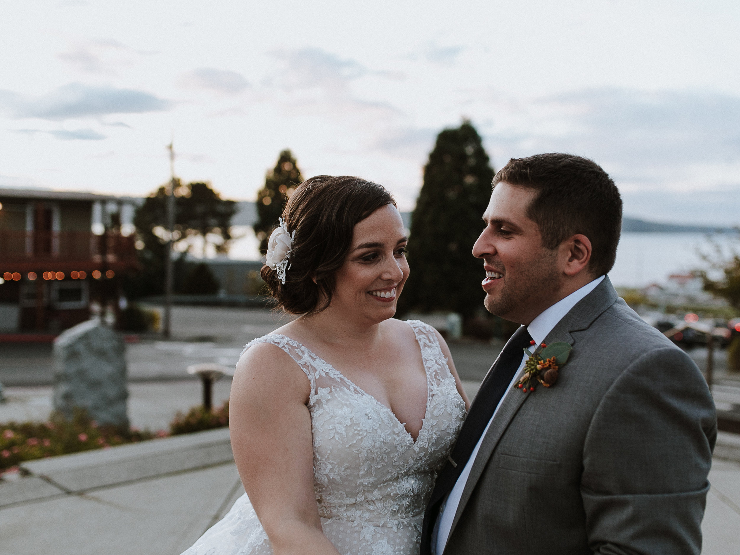 Erin Aasland Wedding Photographer bride & groom laughing