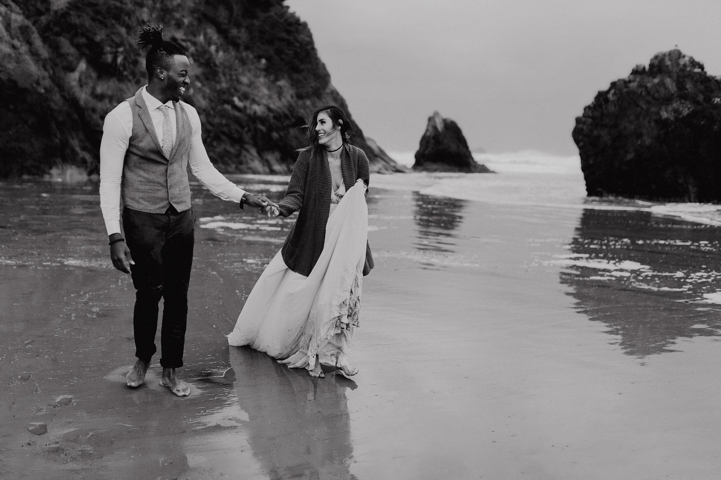 Erin Aasland Elopement Photographer PNW Coastal Adventure
