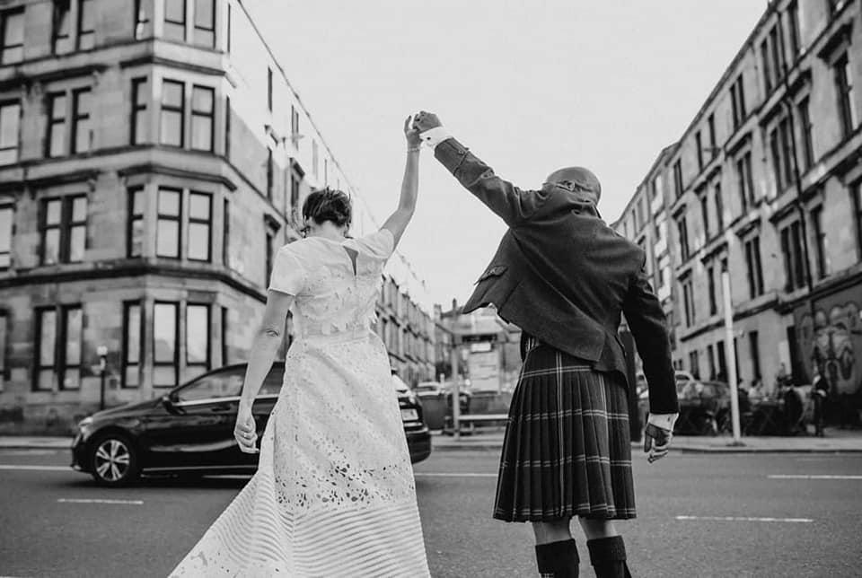 Alexis & Tim - Cottiers Glasgowhttp://www.wefellinlove.co.uk/blog/2018/10/21/a-stylish-glasgow-west-end-wedding/